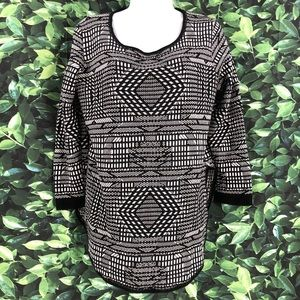 Hannah Black & White Pullover Sweater